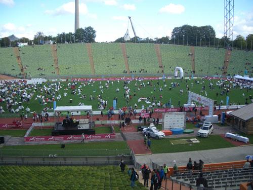 München Marathon Ziel im Olympiastadion