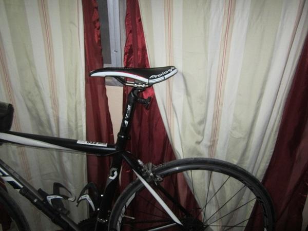Rennradsattel einstellen