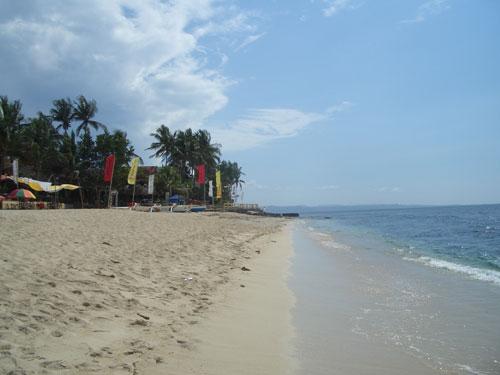 Crosslaufen auf weißem Sand auf den Philippinen ist ein ganz besonderes Lauftraining