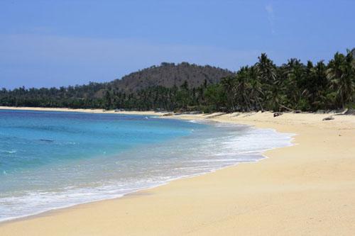 Schwimmen im philippinischen Meer: Pagudpud Beach auf den Philippinen