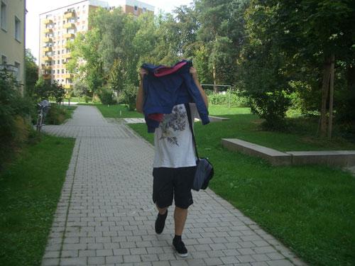 Blackoutrunner vor dem Lauf im Münchner Westpark